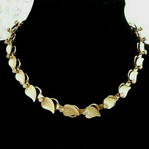 Vintage Gold Textured Leaf and Rhinestone Choker